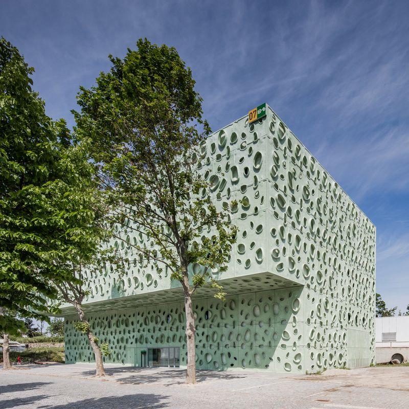 Molecular Facade Designs Claudio Vilarinho