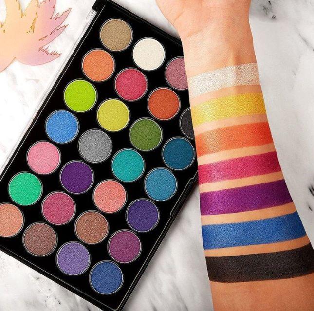 Affordable 28-Shade Eyeshadow Palettes : Club Tropicana
