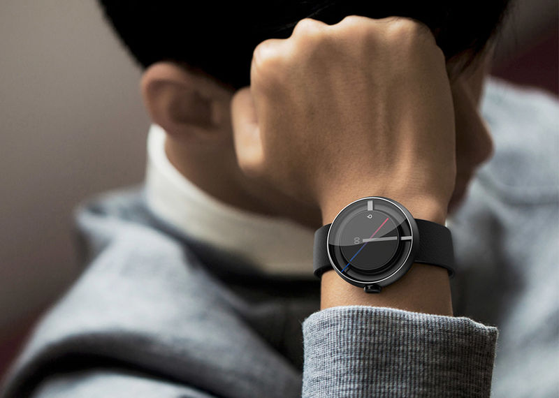 Analog-Inspired Smartwatches