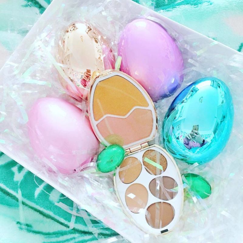 Egg-Shaped Makeup Palettes