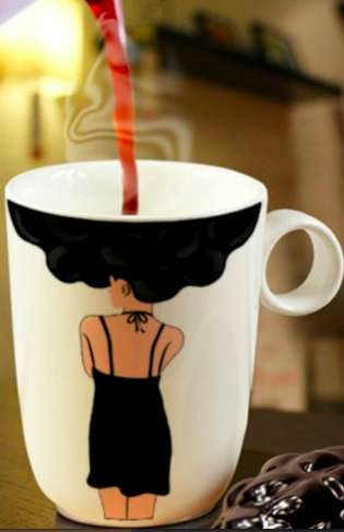 Image-Changing Coffee Cups
