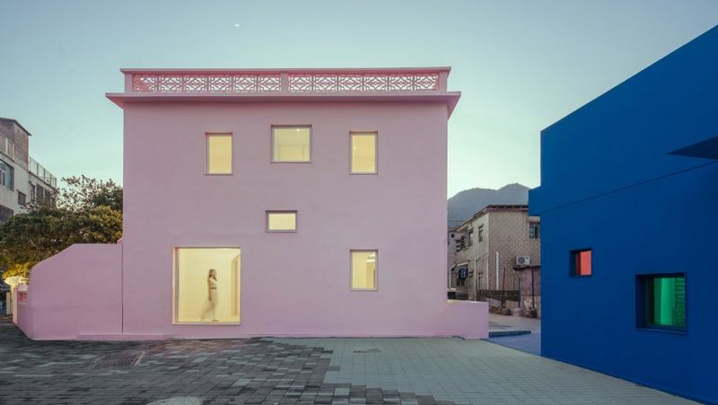 Gender-Exploring Colored Buildings