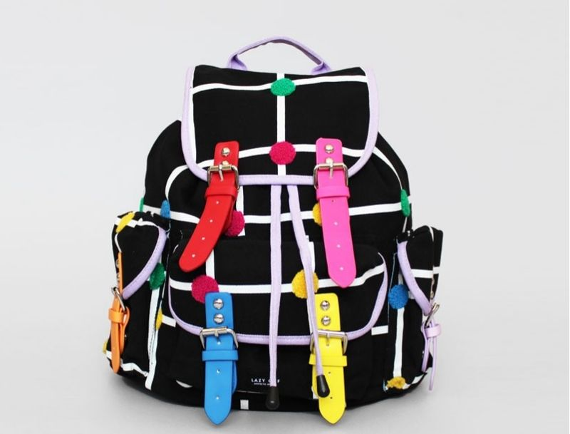 Vibrant Pop-Art Carryalls