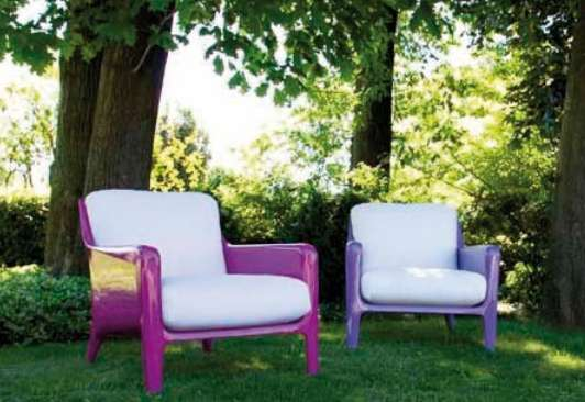 Boldly Bright Outdoor Sofas