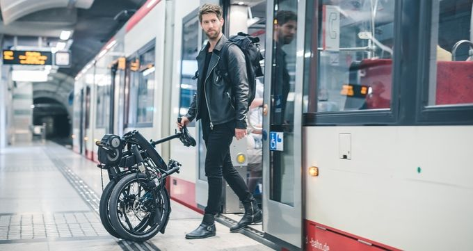 Compact Electric Commuter Bikes