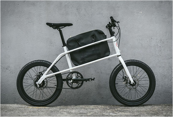 Briefcase-Holding Commuter Bikes