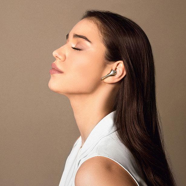 Haute Jewelry-Like Earbuds