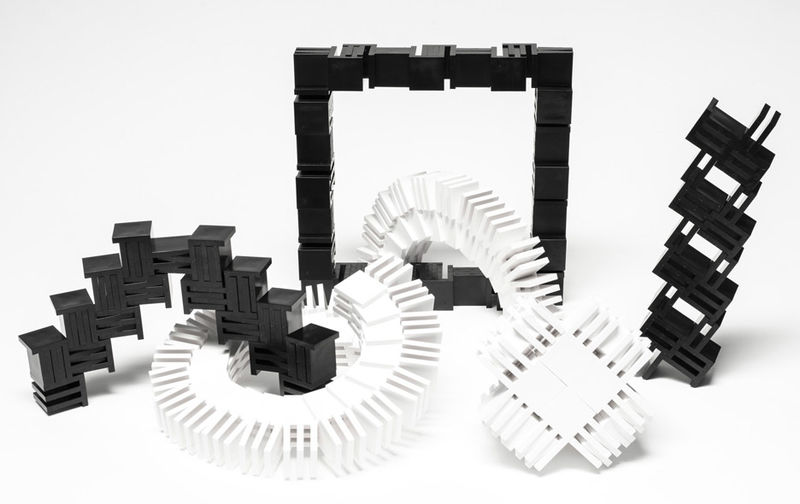 Slot-Connecting Building Blocks