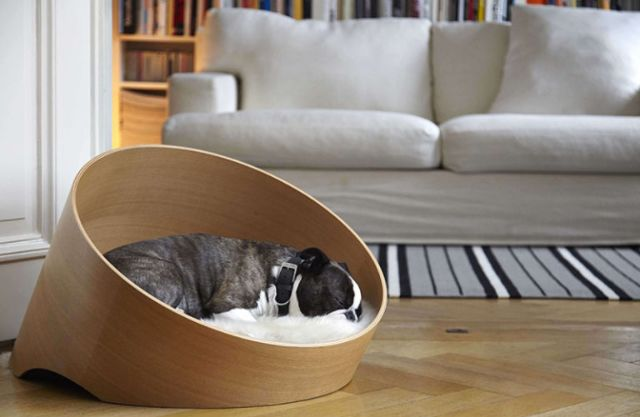 Curvacious Wooden Dog Beds