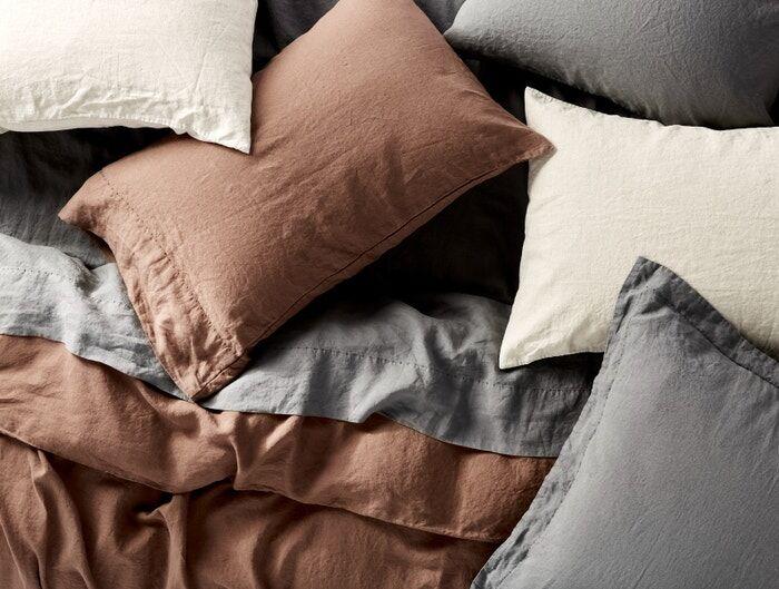 Temperature-Regulating Linen Sheets