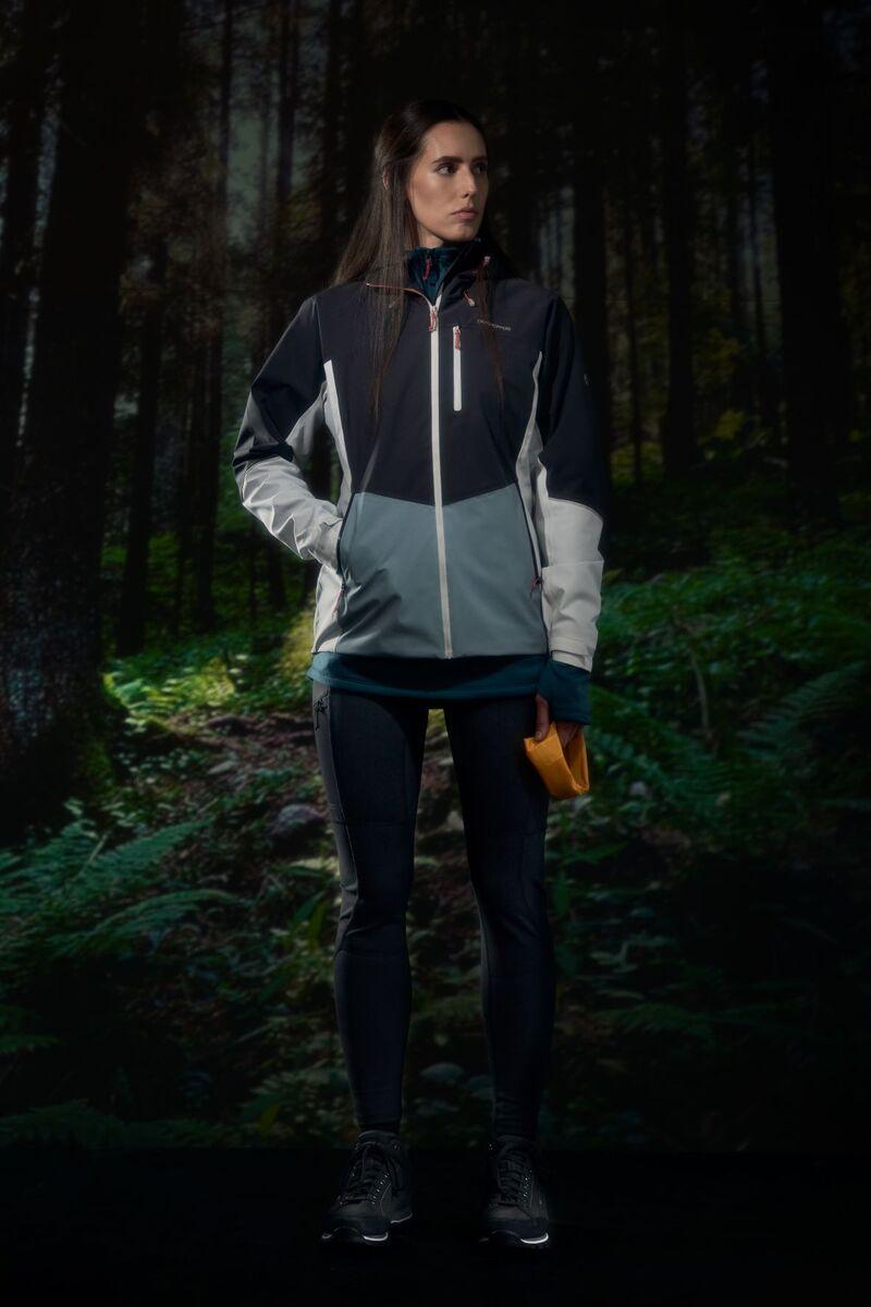 Sleek Autumnal Silhouette Outerwear