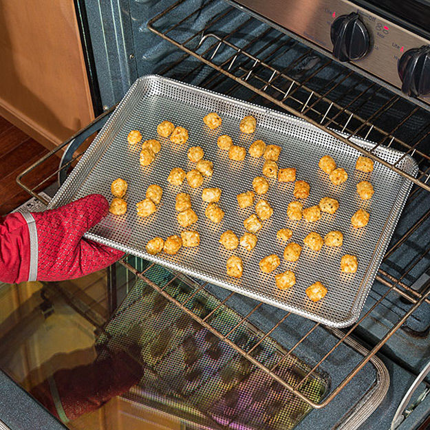 Food-Crisping Baking Sheets