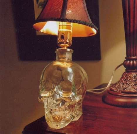 Screamer Skull Silhouettes : Crystal Head Vodka Lamp