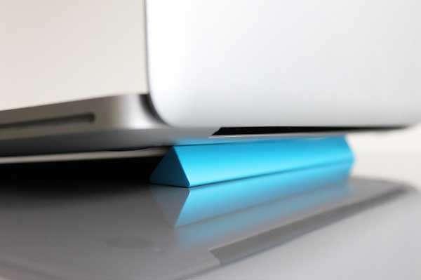 Triangular Laptop Props