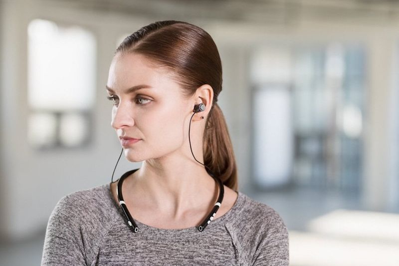 Subwoofer-Integrated Earbuds