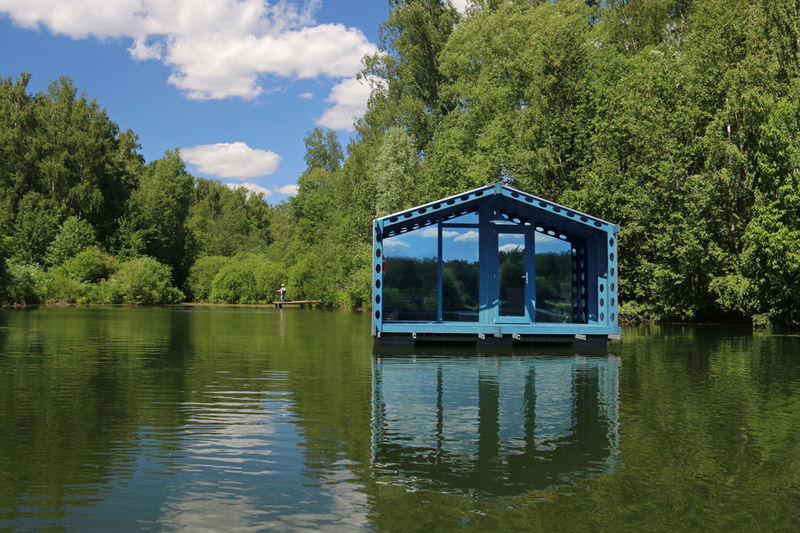Modular Floating Cabins