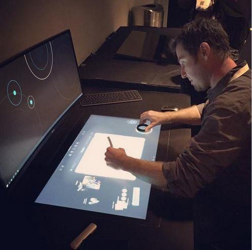 Tabletop Touchscreen Desks : Dell smart desk