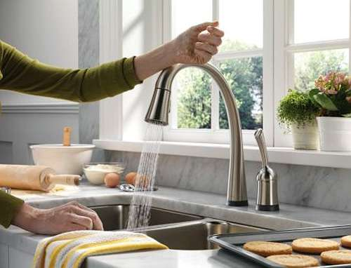 Touch Friendly Faucets: The Delta Pilar