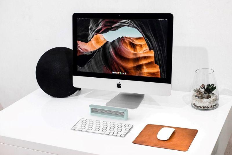 Discreet Desktop Warming Devices