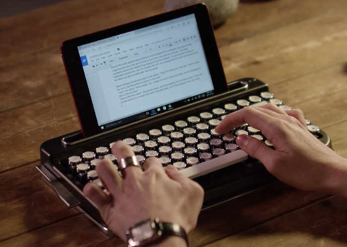 Connected Typewriter Keyboards