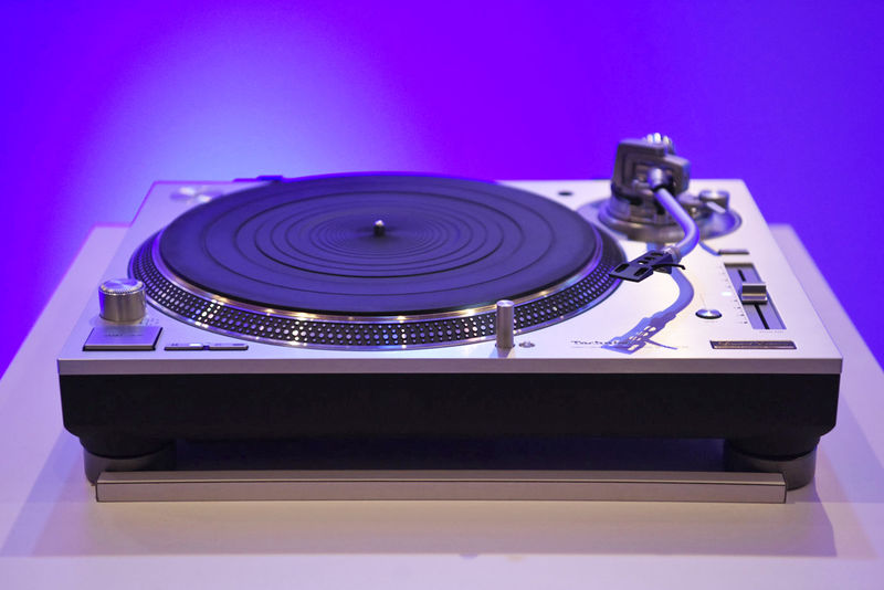 Direct-Drive Turntables