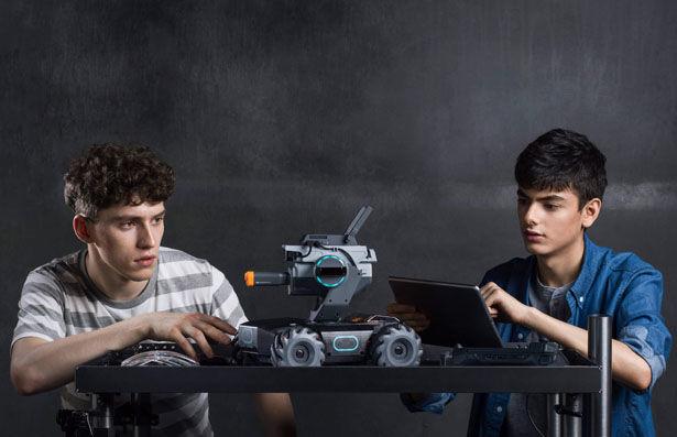 Novice-Friendly Educational Robots