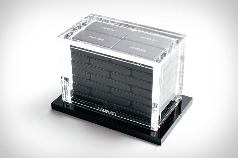 Sophisticated Showpiece Domino Sets : Domino Set