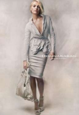 Monotone Femme Fashion