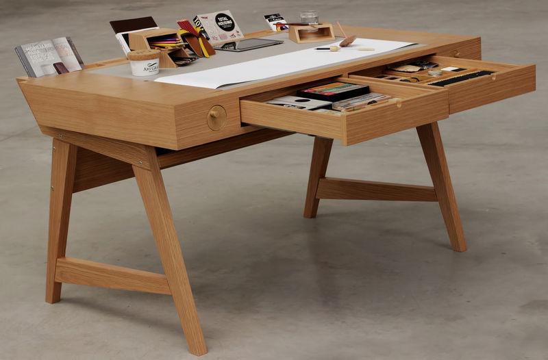 Storage Friendly Drawing Desks