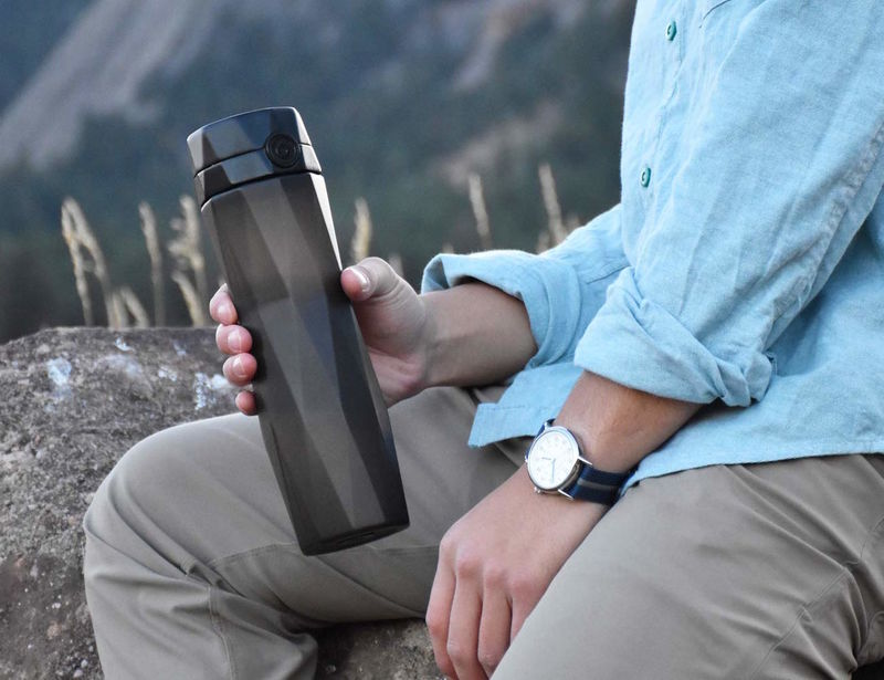 Smartphone-Connected Water Bottles