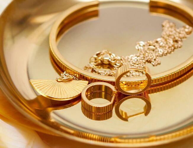 Mix-and-Match DTC Jewelry