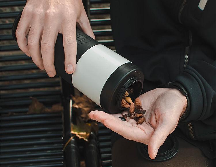 Gear-Toting Water Bottles