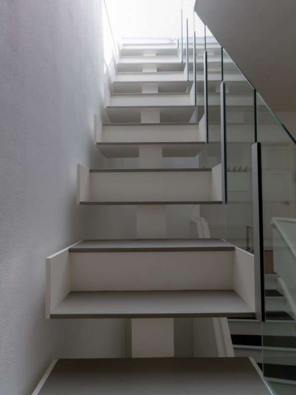 Giant Illusion Steps
