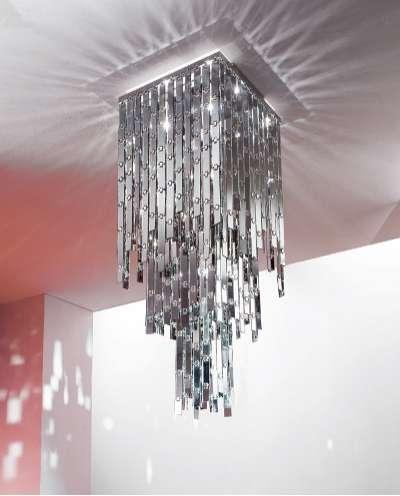 Glitter Chandelier: Dynamic Light Reminiscent of the Disco Ball
