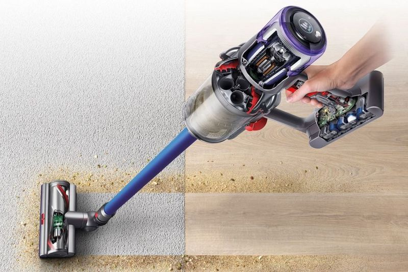 Automatic Surface-Adapting Vacuums