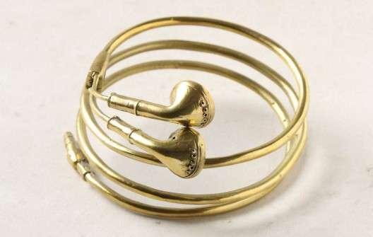 Golden Headphone Jewelry