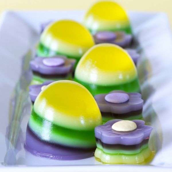 Boozy Egg-Shaped Jellies