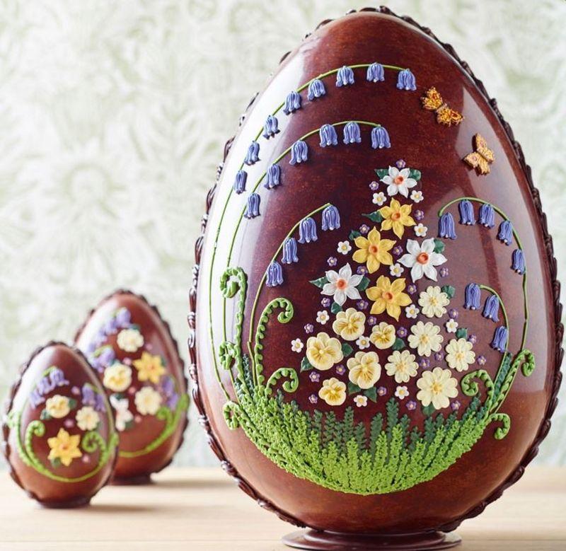 Flower-Adorned Easter Eggs