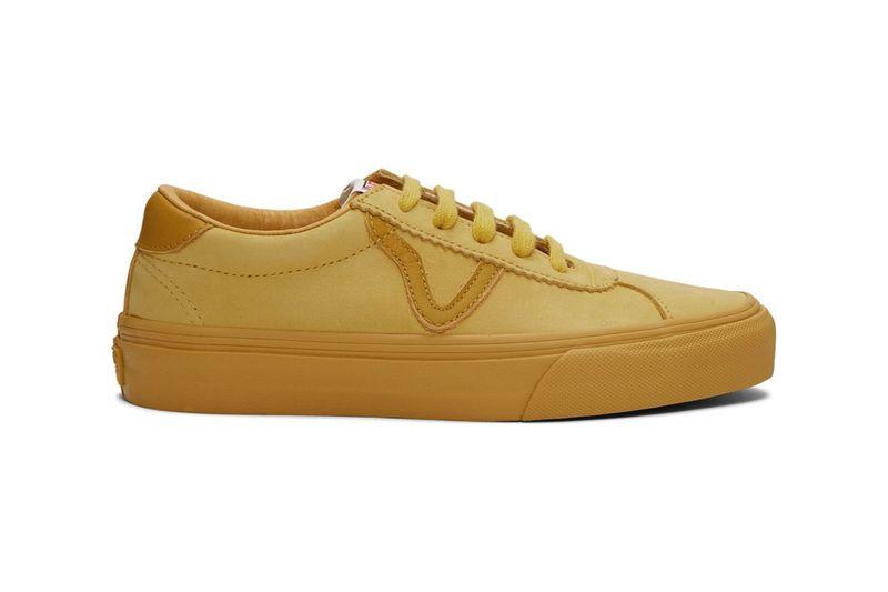 Sturdy Nubuck Casual Sneakers