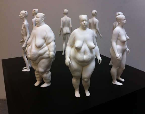 Weight-Fluctuating Female Sculptures