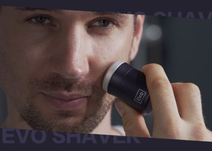 Ultra-Compact Travel Shavers