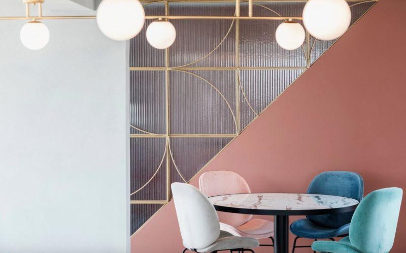 Light-Filled Rooftop Breakfast Rooms