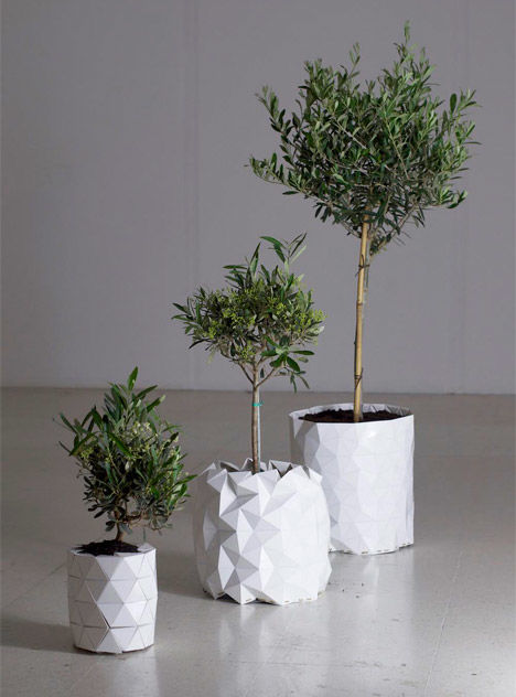 Extendable Plant Holders