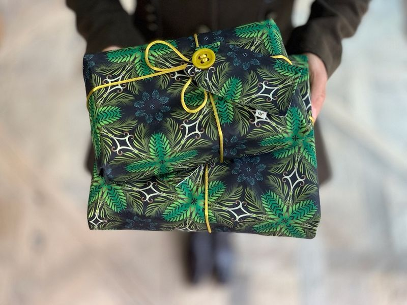 Recycled Fabric-Based Gift Wraps