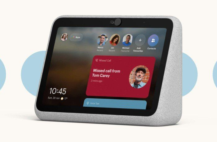 Portable Social Media Displays