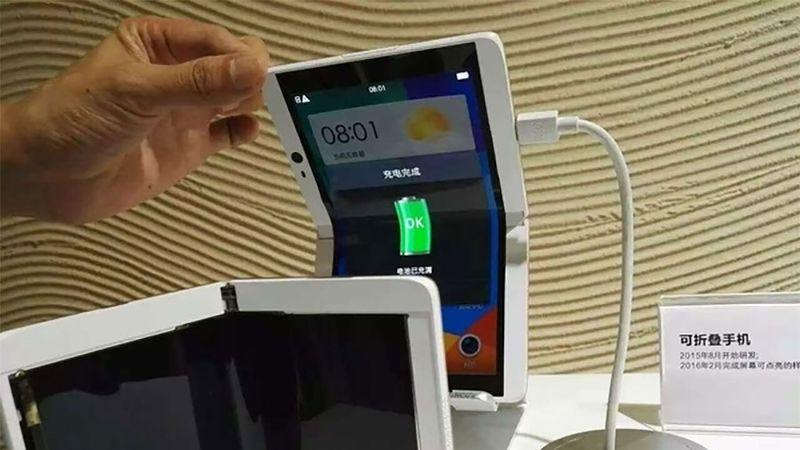 Foldable Flip Smartphones