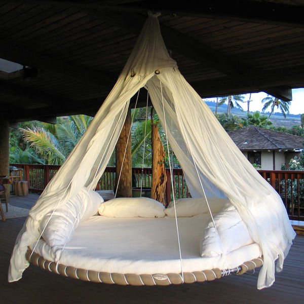 Circular ceiling beds floating bed for Round hanging porch bed