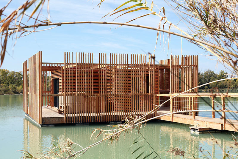 Floating Eco-Friendly Hotel Suites