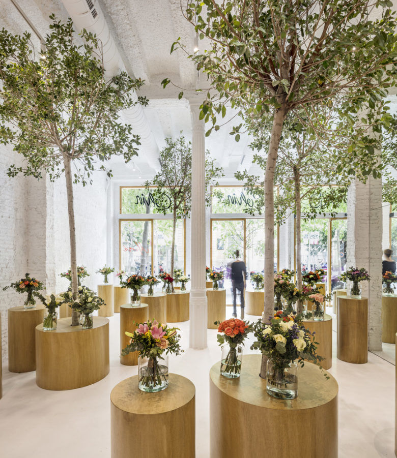 Forest-Like Flower Shops