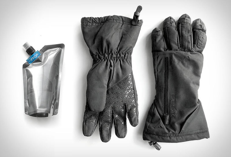 Flask-Equipped Winter Gloves